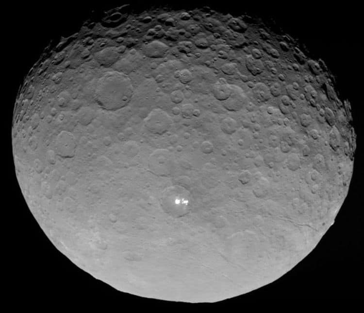 07 Ceres_RC3_with_bright_spots