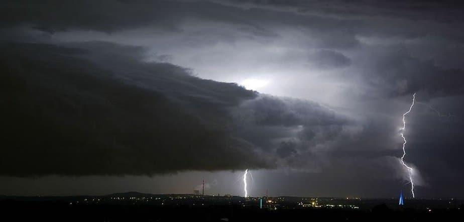 Blitz schlägt ein